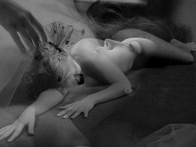 mujer desnuda, desnudo blanco y negro, cuerpo desnudo, leyenda urbana, retratato de un crimen de media noche, desnudo, desnuda, blanco y negro[1].jpg