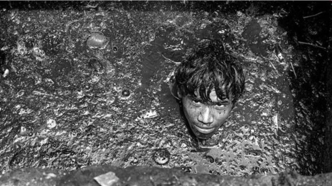 150916120407_sewer_workers_976x549_sudharakolwe.jpg