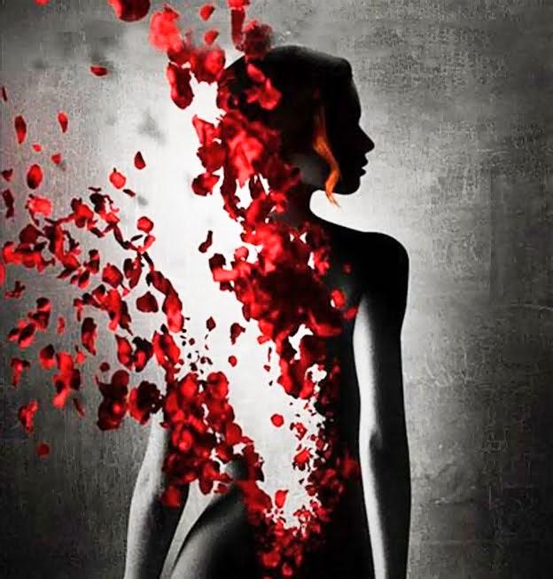 mujer rota por petalos.jpg
