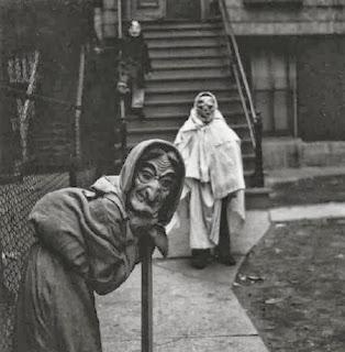 vintage-halloween-costumes-35.jpg